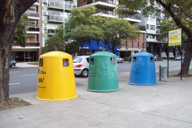 Recogida de resíduos sólidos industriales y de construcción